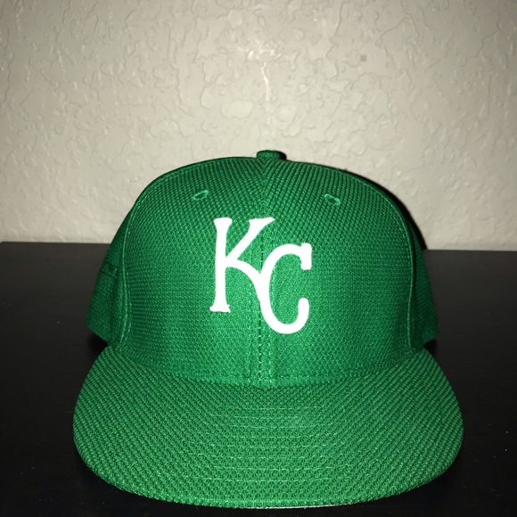 5e3d20681bd6f0 KC Royals New Era St. Patrick's Day Hat. M_5bfb7560aaa5b8f4c761caff
